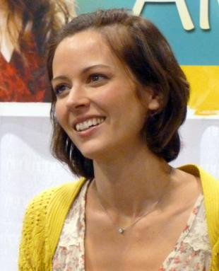 Picture of quotation author Amy Acker