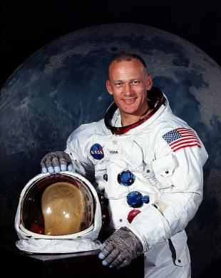 Picture of quotation author Buzz Aldrin