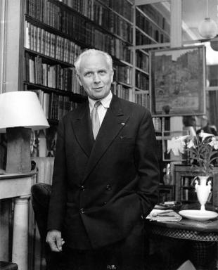 Picture of quotation author Louis Aragon