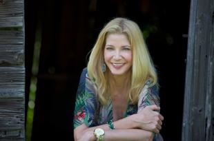 Picture of quotation author Candace Bushnell