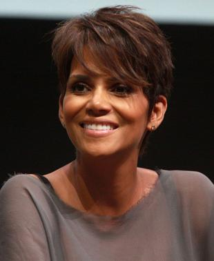 Picture of quotation author Halle Berry