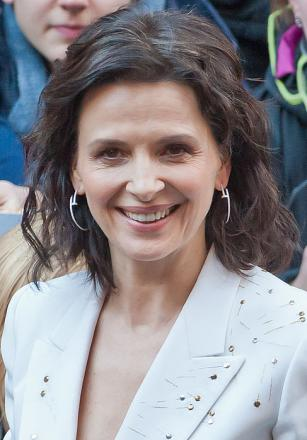 Picture of quotation author Juliette Binoche
