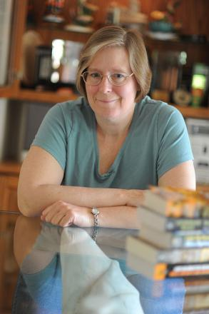 Picture of quotation author Lois McMaster Bujold