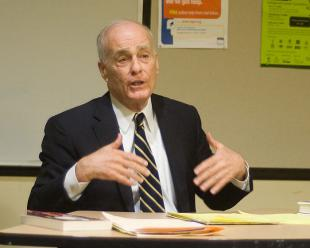 Picture of quotation author Vincent Bugliosi
