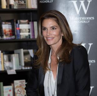 Picture of quotation author Cindy Crawford