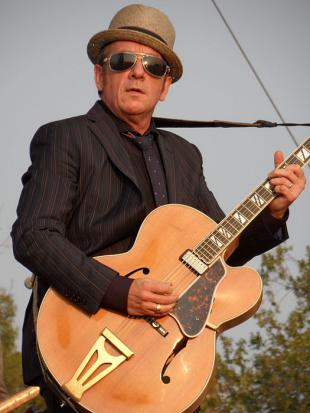 Picture of quotation author Elvis Costello