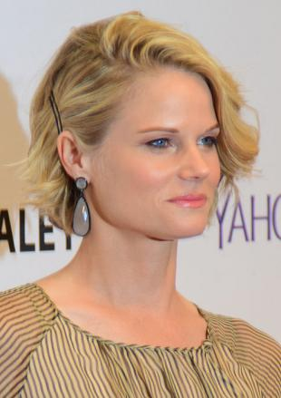 Picture of quotation author Joelle Carter