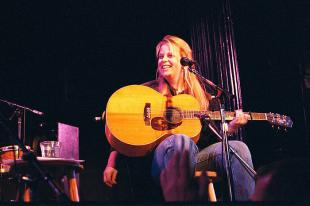 Picture of quotation author Mary Chapin Carpenter