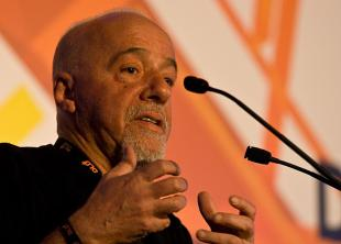 Picture of quotation author Paulo Coelho