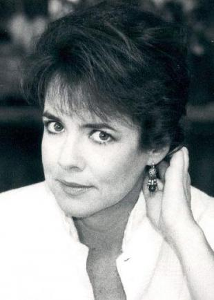 Picture of quotation author Stockard Channing