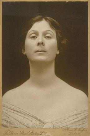 Picture of quotation author Isadora Duncan