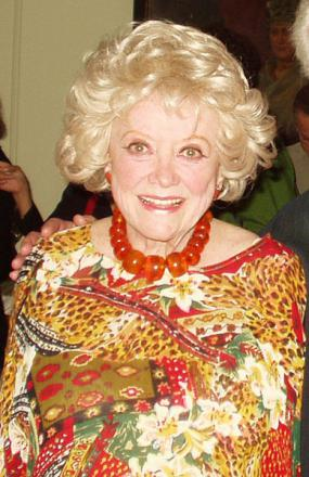 Picture of quotation author Phyllis Diller