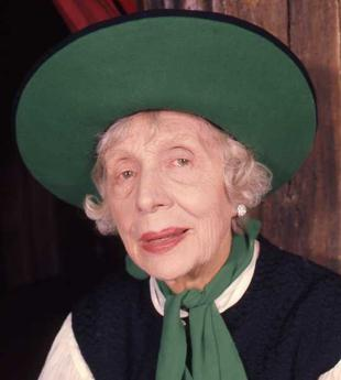 Picture of quotation author Edith Evans