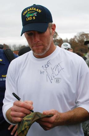 Picture of quotation author Brett Favre