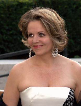 Picture of quotation author Renee Fleming