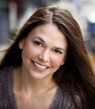 Picture of quotation author Sutton Foster