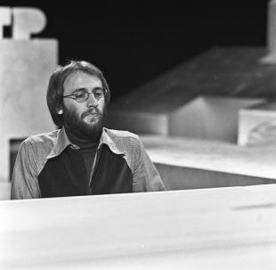 Picture of quotation author Maurice Gibb