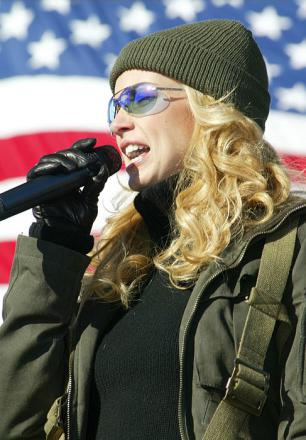 Picture of quotation author Faith Hill