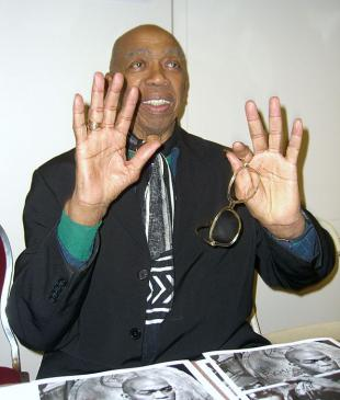 Picture of quotation author Geoffrey Holder