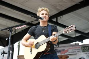 Picture of quotation author Hunter Hayes