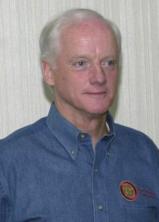 Picture of quotation author Frank Keating