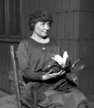 Picture of quotation author Helen Keller