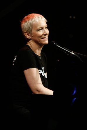 Picture of quotation author Annie Lennox