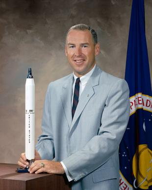 Picture of quotation author Jim Lovell