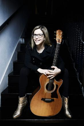 Picture of quotation author Lisa Loeb
