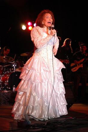 Picture of quotation author Loretta Lynn