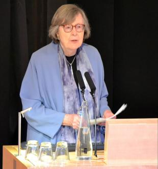 Picture of quotation author Penelope Lively