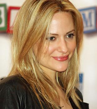 Picture of quotation author Aimee Mullins