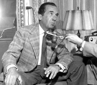 Picture of quotation author Edward R. Murrow