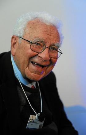 Picture of quotation author Murray Gell-Mann