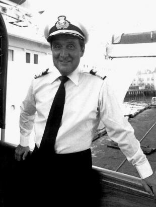 Picture of quotation author Patrick Macnee