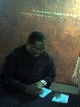 Picture of quotation author Vusi Mahlasela