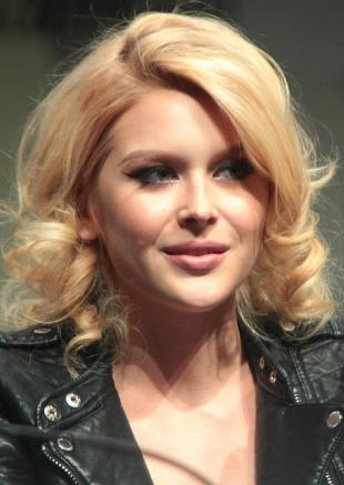 Picture of quotation author Renee Olstead