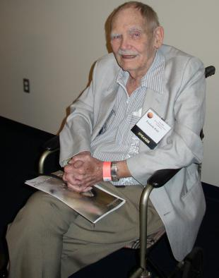 Picture of quotation author Frederik Pohl