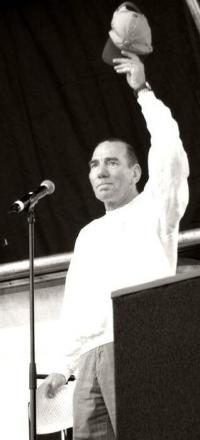 Picture of quotation author Pete Postlethwaite