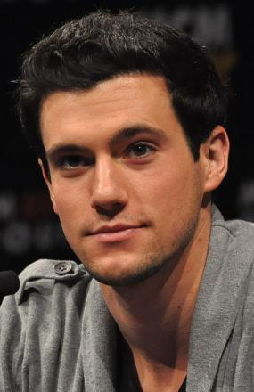 Picture of quotation author Drew Roy