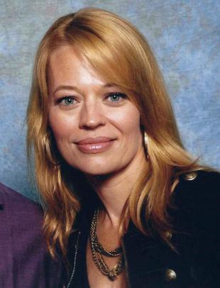 Picture of quotation author Jeri Ryan