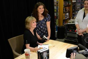 Picture of quotation author Kathy Reichs