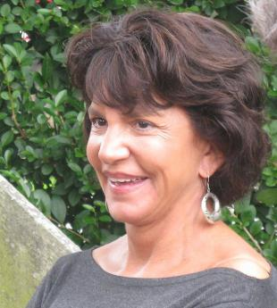 Picture of quotation author Mercedes Ruehl