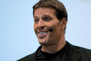 Picture of quotation author Tony Robbins