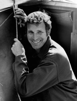 Picture of quotation author Wayne Rogers