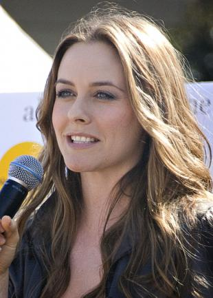 Picture of quotation author Alicia Silverstone