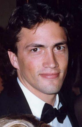 Picture of quotation author Andrew Shue