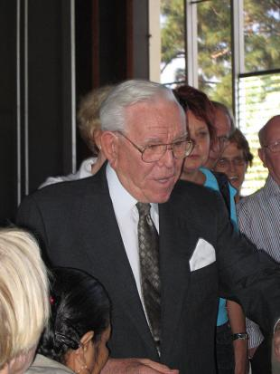 Picture of quotation author Robert H. Schuller