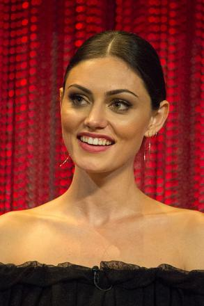 Picture of quotation author Phoebe Tonkin