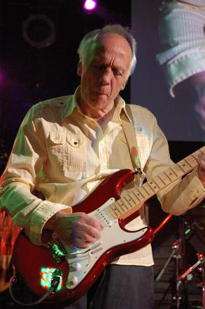 Picture of quotation author Robin Trower